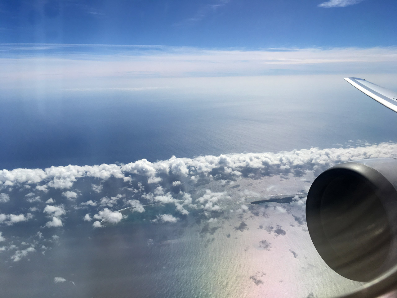 737,沖縄上空