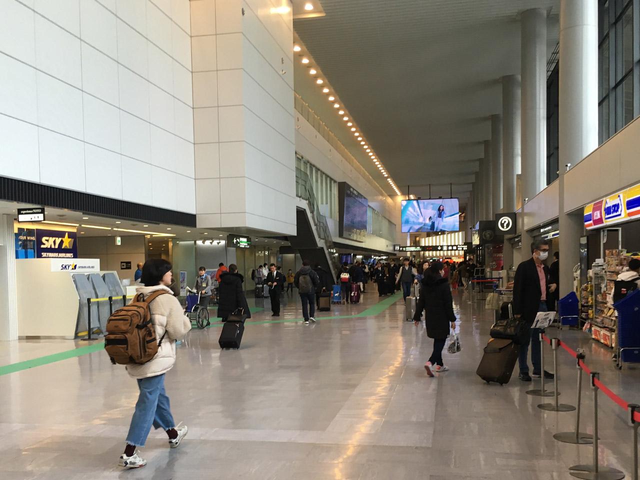 成田空港,到着ロビー