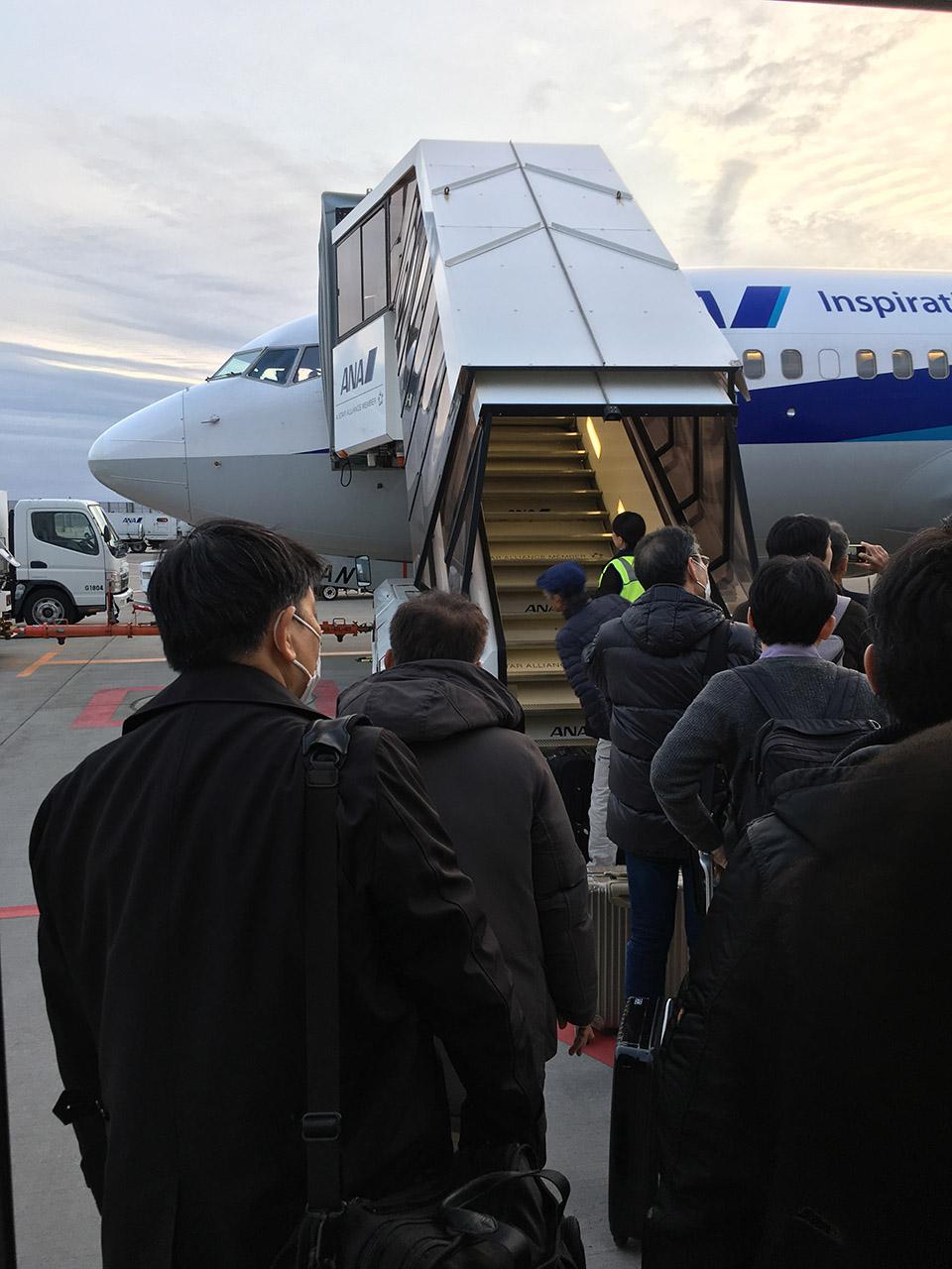 成田空港,沖止め,搭乗,タラップ